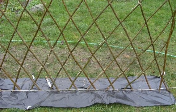 Забор из ивы